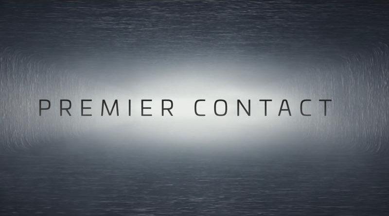 premier contact critique