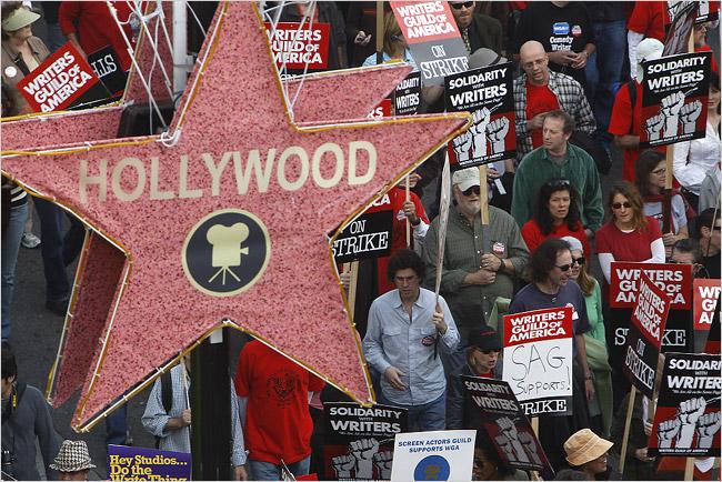 Une nouvelle grève des scénaristes pourrait toucher Hollywood