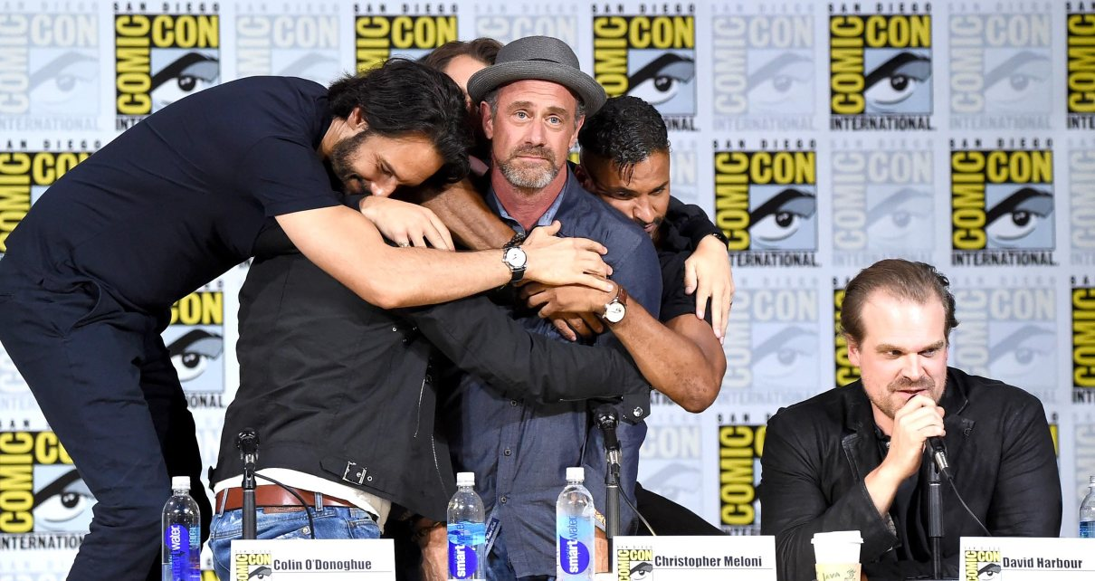 sdcc - Les 10 moments du San Diego Comic-Con 2017 Richard Rankin Outlander Rodrigo Santoro Westworld Ricky Whittle American Gods David Harbour Stranger Things Christopher Meloni Happy and Colin O'Donoghue Once Upon a Time.