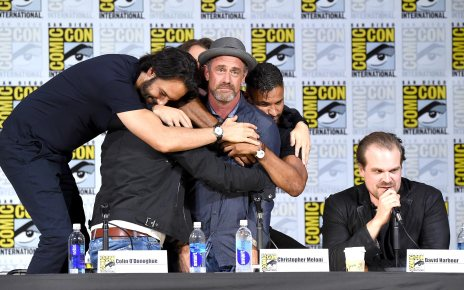 Comic-con 2017 - Les 10 moments du San Diego Comic-Con 2017 Richard Rankin Outlander Rodrigo Santoro Westworld Ricky Whittle American Gods David Harbour Stranger Things Christopher Meloni Happy and Colin O'Donoghue Once Upon a Time.