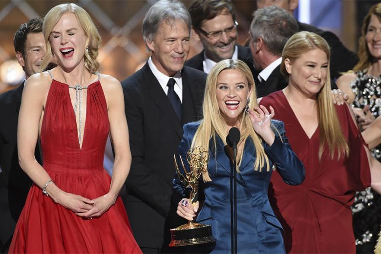 récompenses - Emmy Awards : le palmarès 2017 avec The Handmaid's Tale, This Is Us, Veep... emmy 2017