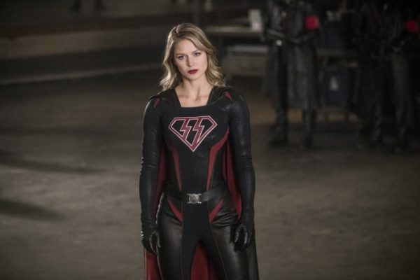 crisis on earth-x - Crisis on Earth-X : le crossover qu'on n'attendait plus entre Supergirl, Arrow, Flash et Legends of Tomorrow