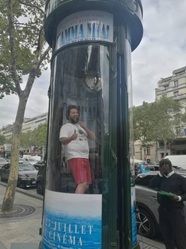 mamma mia - Un karaoké Mamma Mia en plein Champs Elysées + avant-première au Rex karaoke mamma mia