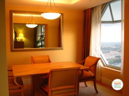 STGMT_Ritz Carlton Millenia Singapore_04_Study