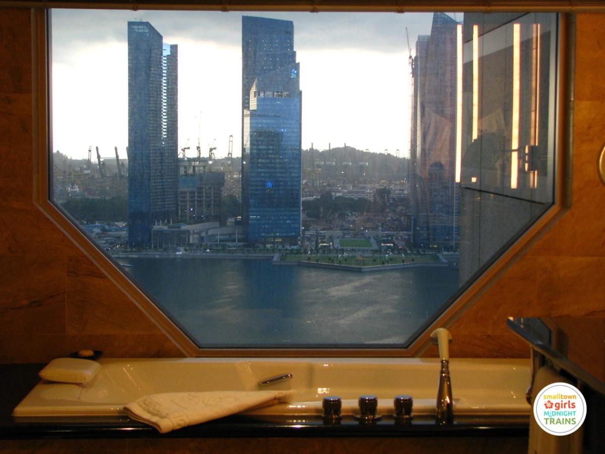 STGMT_Ritz Carlton Millenia Singapore_06_Bathtub View_1