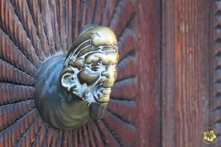 A door knob in Venice (Italy, 2011)