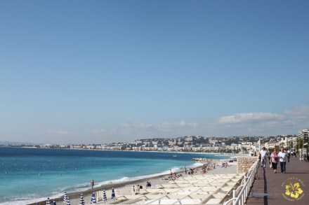 The postcard-worthy view from the Promenade des Anglais in Nice