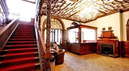 Palmers Lodge Swiss Cottage 03