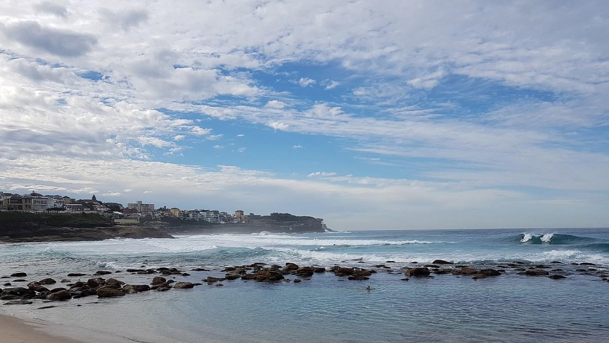 SGMT Australia Sydney_Bondi to Coogee Coastal Walk_20 Bronte Beach Wave