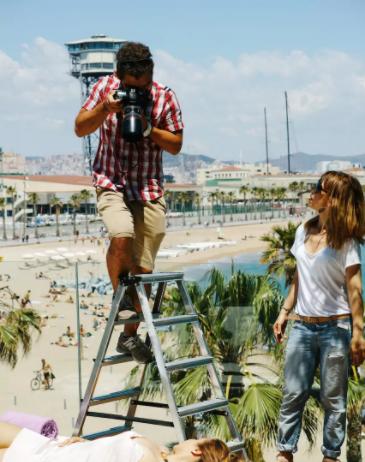 Airbnb travel photo shoot | Barcelona