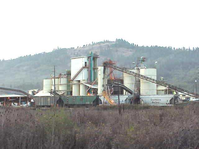 Riddle Oregon is close to Nickel Mountain at one time