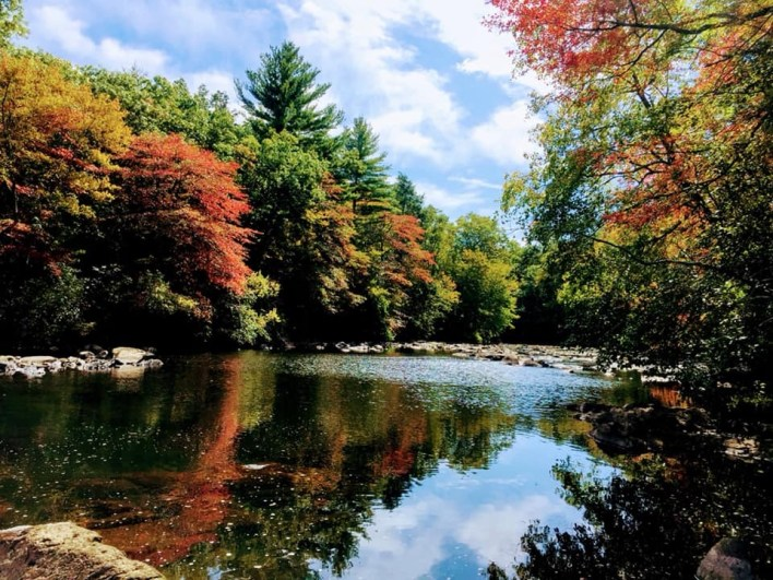 Beautiful autumn colors at the Blackstone Gorge