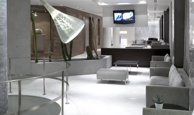 The lobby of the Hotel Olympia.