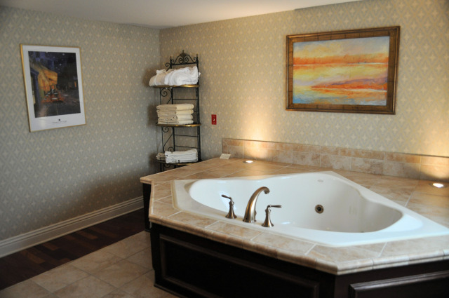 The jetted tub at Charley Creek Inn in Wabash, IN.