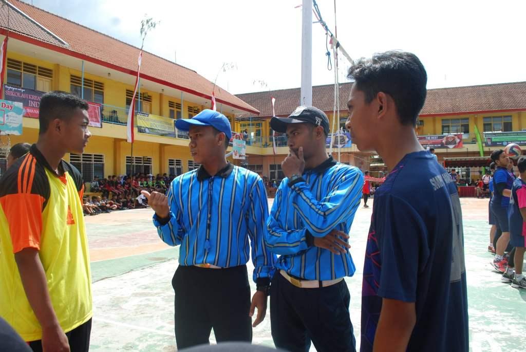 Atlet Voli SMP Malang Raya Junjung Sportivitas dalam SMANAS Cup 2020 12