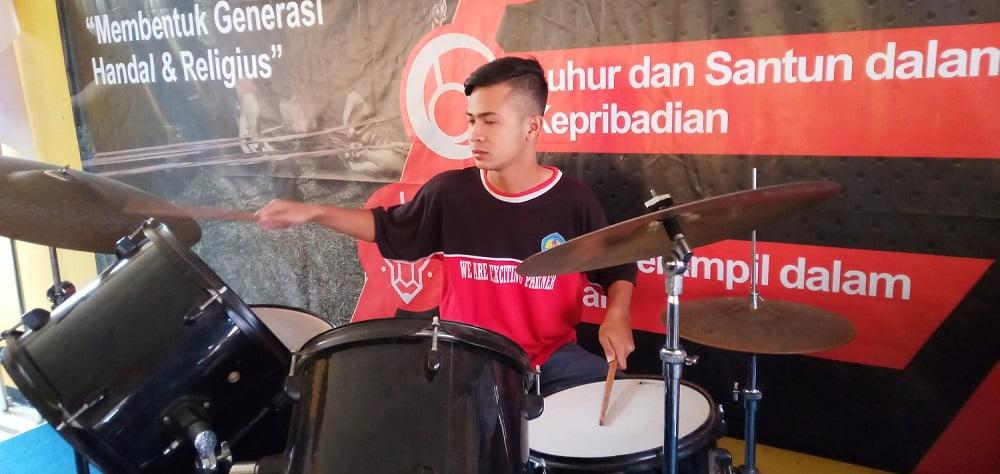 Ekstrakurikuler Musik SMA Nasional Malang 2