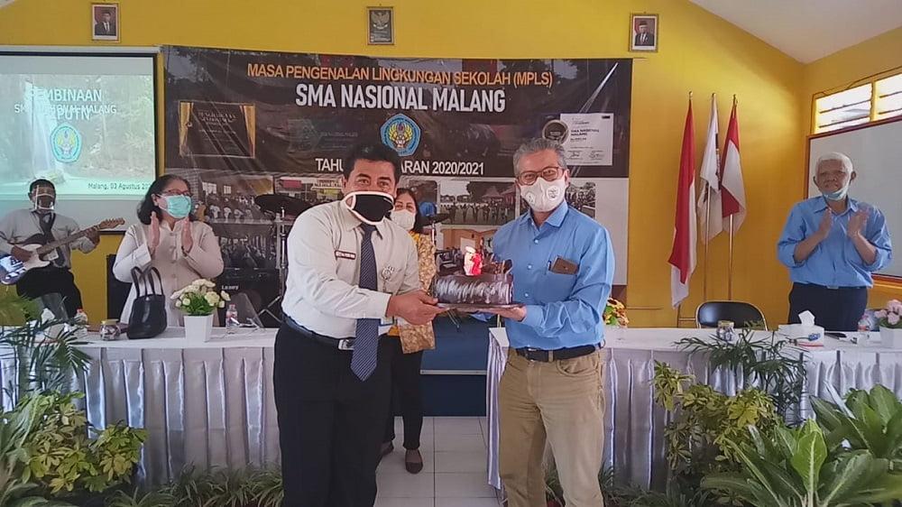 Pembinaan Yayasan P2PUTN Malang kepada Guru dan Karyawan SMA Nasional Malang 1