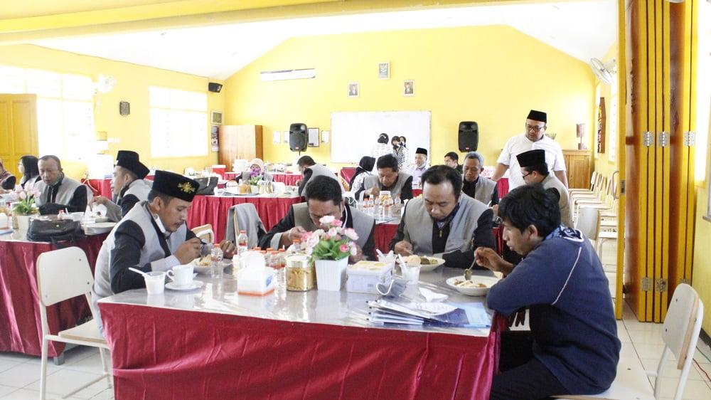 Studi Banding dan Sharing Program dengan MKKS Swasta Kabupaten Pasuruan 10