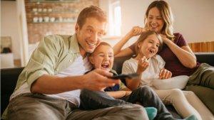 Tv, famille, abonnement iptv, smart iptv, chaînes, vod, films, séries, foot
