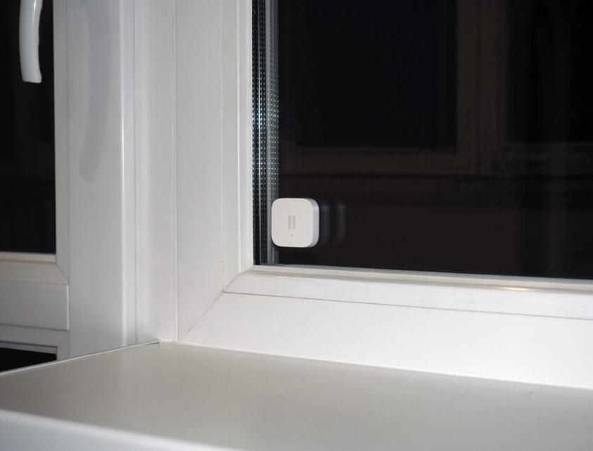 акара вибрационен сензор монтаж на прозорец