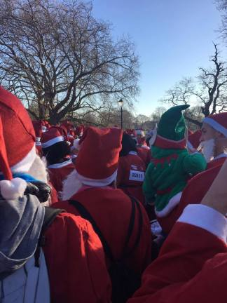 Check out the little elf in green, many children took part in the event :)