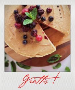strawberry-banana-cream-cake-with-mint-1200x8001_instant