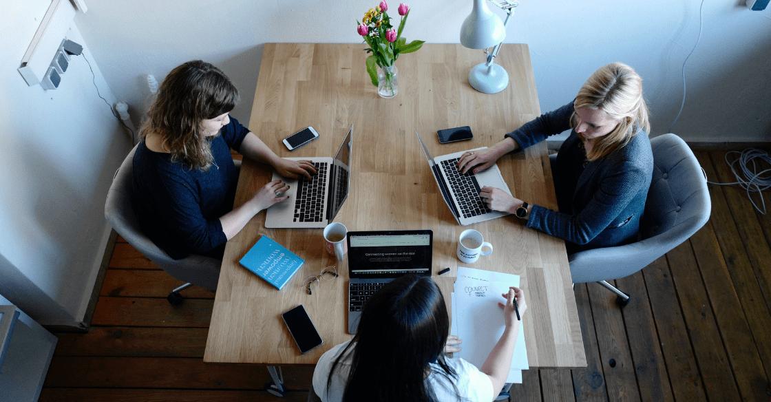 Women working at a digital marketing agency