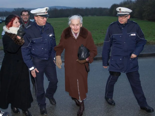 Police eject Holocaust denier, 87, as trial begins for one of the last Nazis, a former Auschwitz guard, 94 | National Post