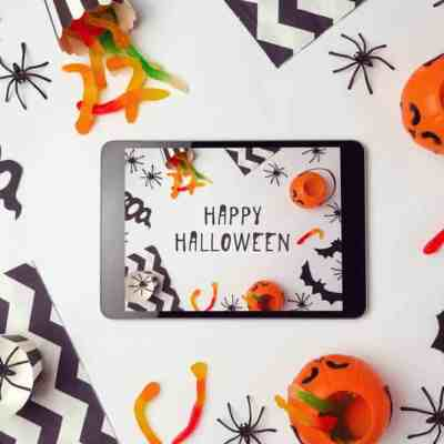 13 Cheap and Easy Dollar Store Halloween Decorations