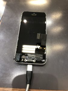 iPhoneSEドッグコネクタ交換