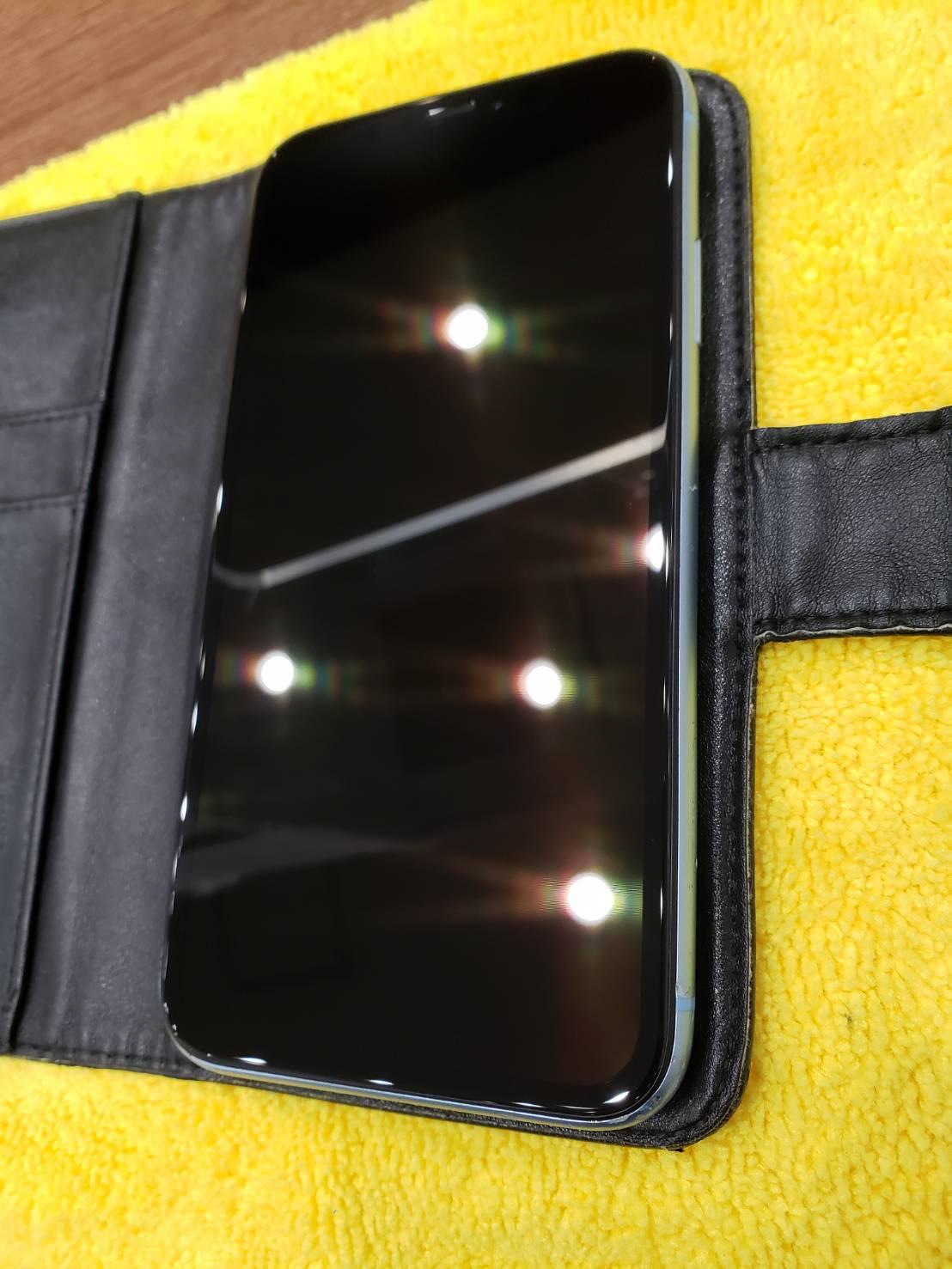 iPhoneの画面が割れてしまった…そんな時はすぐに交換修理をしましょう♪iPhone XR 高知市よりご来店