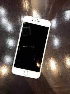 ガラスコーティングをしたiPhone8