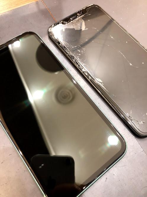 iPhoneXSの画面交換、即日で修理可能です!【倉敷市よりお越しのお客様】