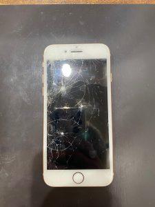 iPhone8 画面割れ