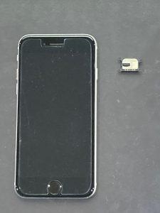 アイフォーンSE(第二世代) イヤースピーカー交換【iPhone SE2】 直方市