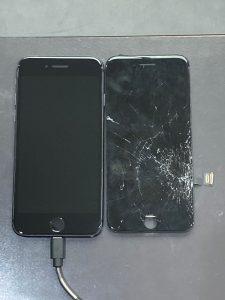 アイホーン8 画面割れ・液晶漏れ【iPhone 8】 直方市