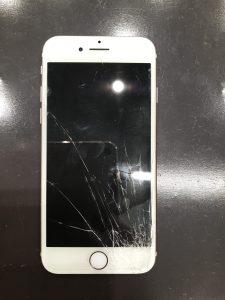 iPhone7はもう機種変更対象?そんなことありません!容量と状態によってはまだまだ使えます!(梅田のiPhone修理専門店)