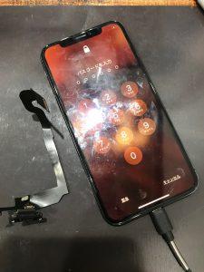 iPhoneXコネクター交換修理