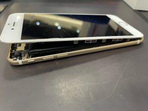 iPhone バッテリー膨張