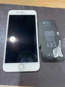 バッテリー交換をしたiPhone8+