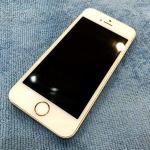 iPhone5s・フィルムを剥がしてガラスコーティング!《高松市》