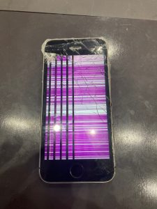 アイフォーンSE 画面割れ修理