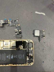 iPhoneSEのコネクター交換