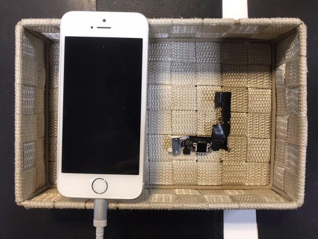 iPhoneSE 充電できなくなったドックコネクターの修理[池田市からのご来店]