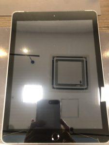 iPad5画面割れ