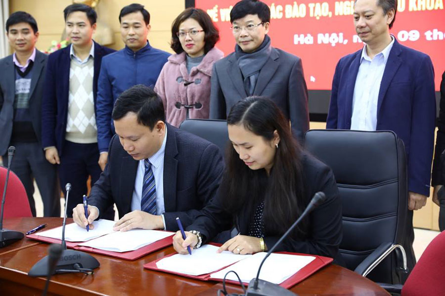 Cooperation signing between Thuy Loi University and SDLs