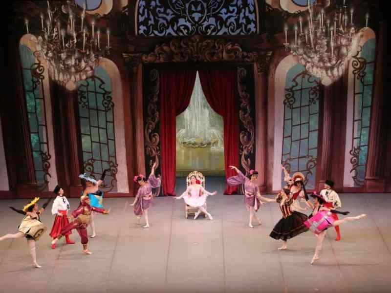 Men in Tutus Perform The Nutcracker penangpac