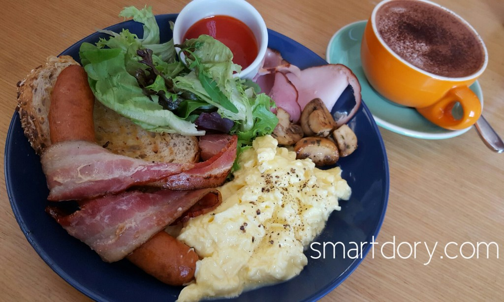 Trendy Cafe Style Western Big Breakfast with Eggs in Penang Heaven Harbour