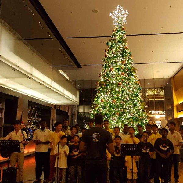 Christmas Tree Light Up 2016 | E&O Hotel