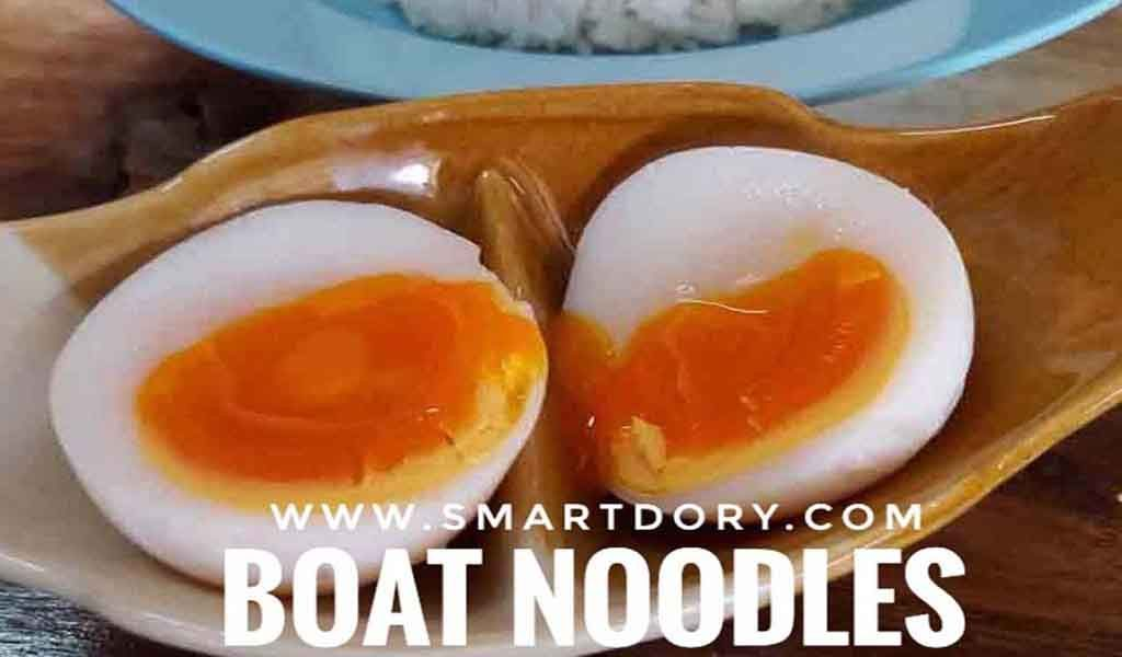Eating Thai Boat Noodles When You Cross the Thai Border